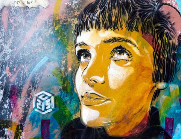 C215, observado en la ruta arte callejero malasaña