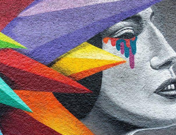 Mural observado durante el tour de arte urbano en Lavapies