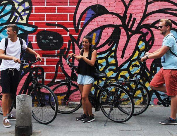 Invitados al tour de arte urbano en bici por Madrid