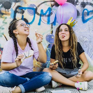 Invitadas al taller de graffiti para jóvenes en Madrid