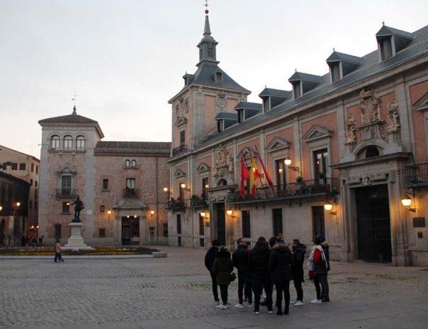 Tour madrid histórico en Plaza de la Villa