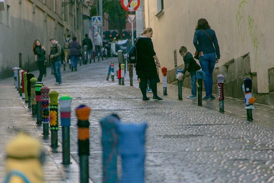 Bolardos en calle lavapies madrid