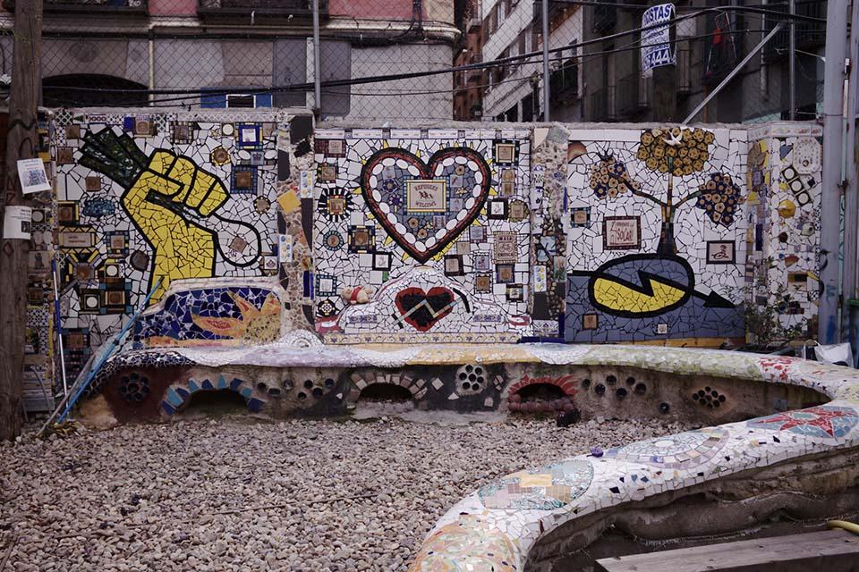 Mural de azulejos en Madrid