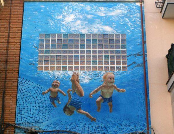 Decoración de 3 niños en una piscina
