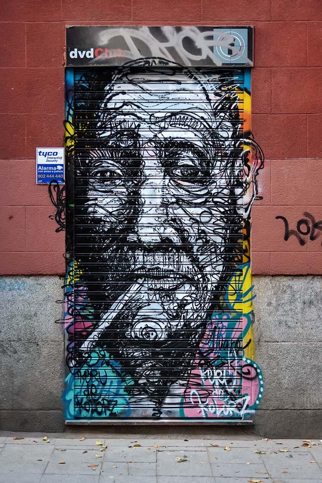 graffitis decorados en malasaña