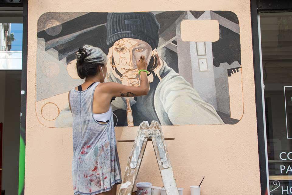 creación de graffitis decorativos en Lavapiés