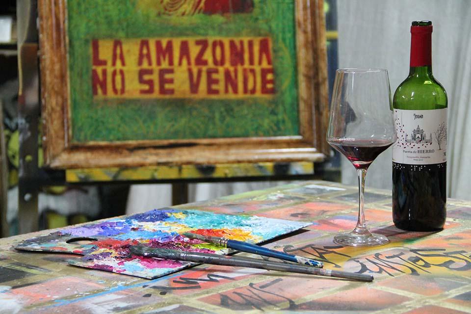disfruta de un vino pintando