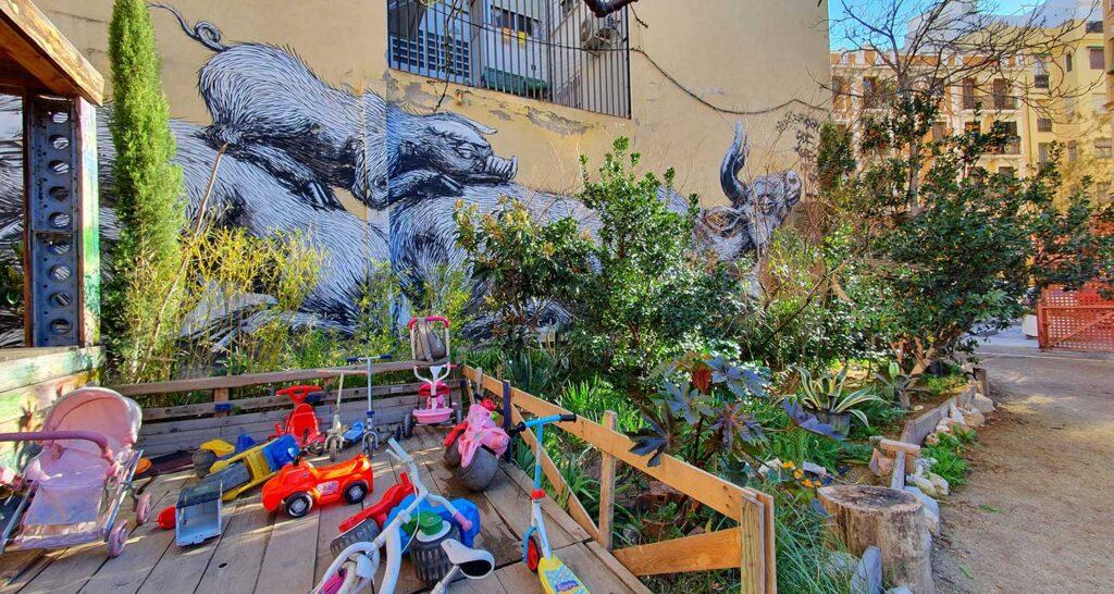graffitis de lavapies, esta es una plaza