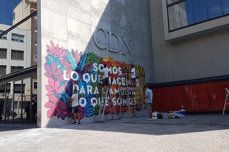 decoración mural de Boa Mistura