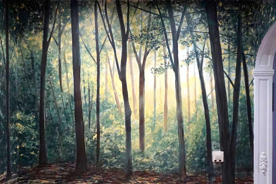 mural con paisaje de árboles