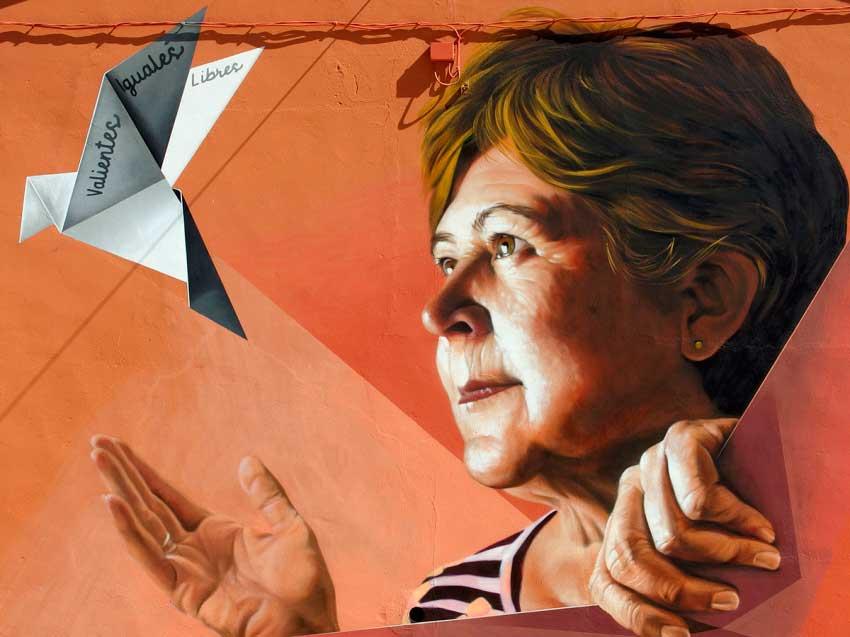 mural titulado 'valientes, iguales, libres'
