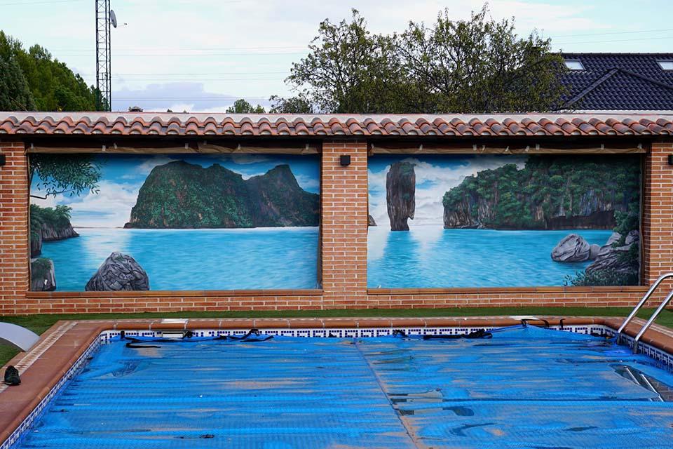 graffiti con aerógrafo en una piscina