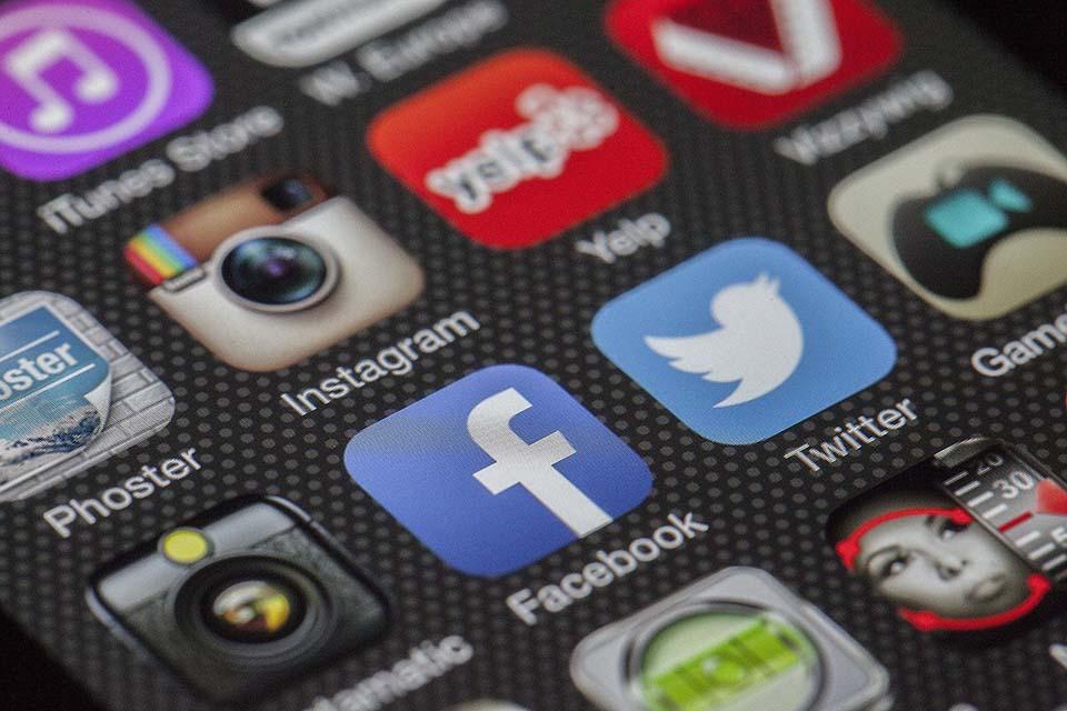 como vender arte en internet a traves de redes sociales