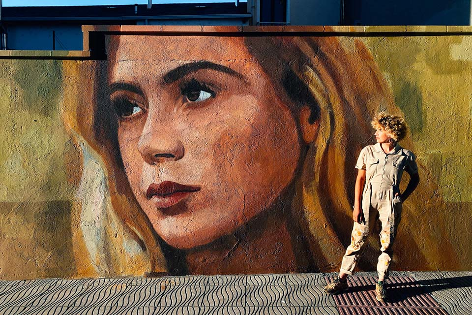 Mujeres muralistas en el arte callejero de España