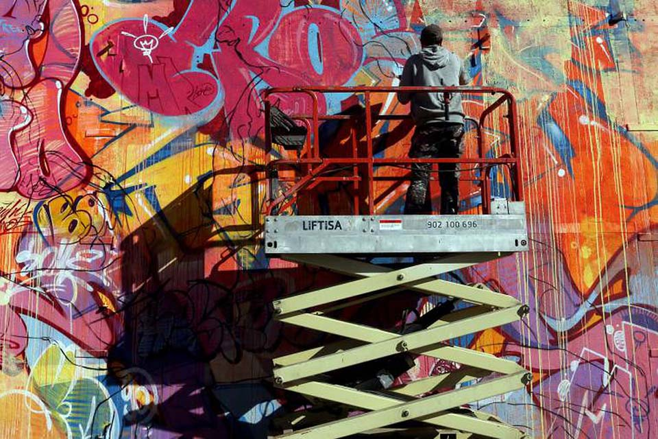 decoración de arte urbano a grandes alturas