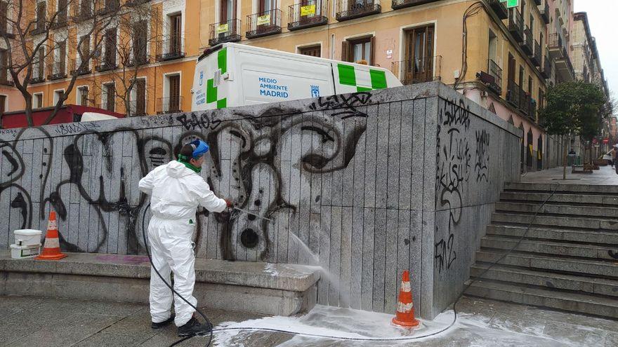 limpieza de graffitis en malasaña, madrid