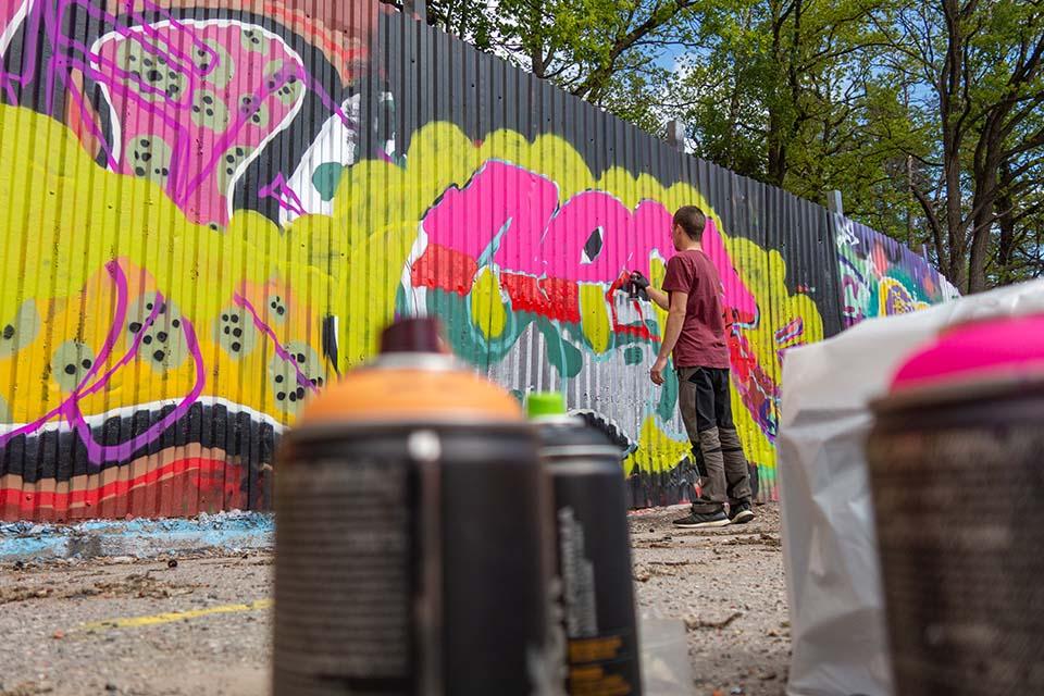cuanto cobra un grafitero de cooltourspain