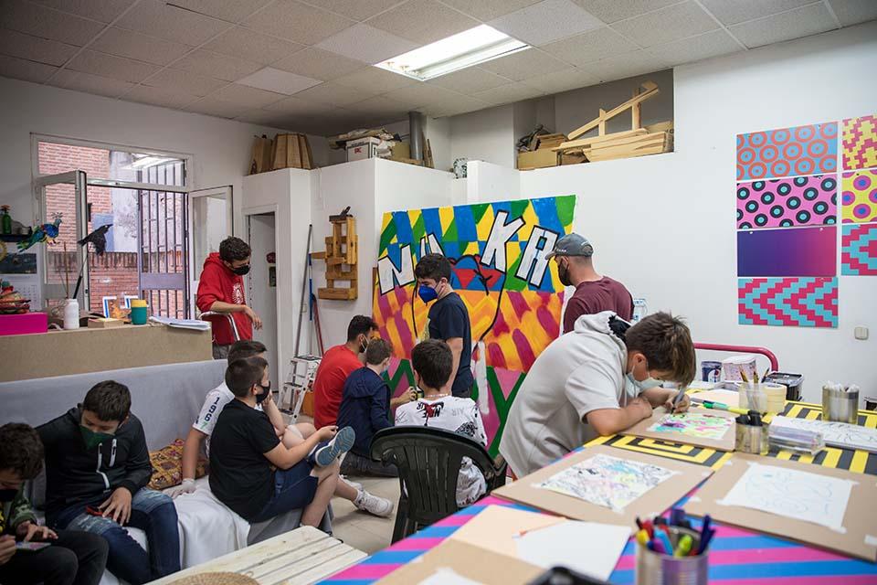 cuanto cobra un grafitero por un taller para jovenes